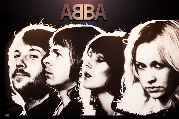 001. Постер: Один из наиболее успешных коллективов за всю историю популярной музыки - ABBA