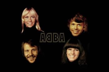007. Постер: ABBA. Участники группы на черном фоне.