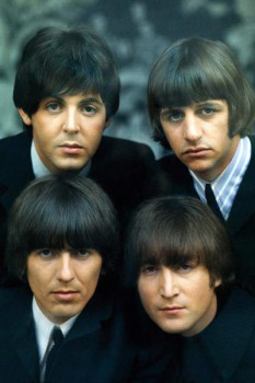 066. Постер: The Beatles - легендарная британская группа из Ливерпуля: John Lennon, Paul McCartney, George Harrison, Ringo Starr