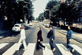 072. постер: Теперь обратно: на Abbey Road - фотосессия