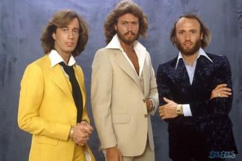 076. Постер: Bee Gees - австралийская группа состоявшая из трех братьев Gibb: Barry, Robin и Maurice