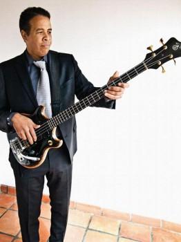 104. Постер: Stanley Clarke. Американский джазовый музыкант и композитор