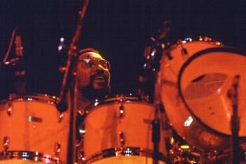 111. Постер: Великий джазовый барабанщик Billy Cobham