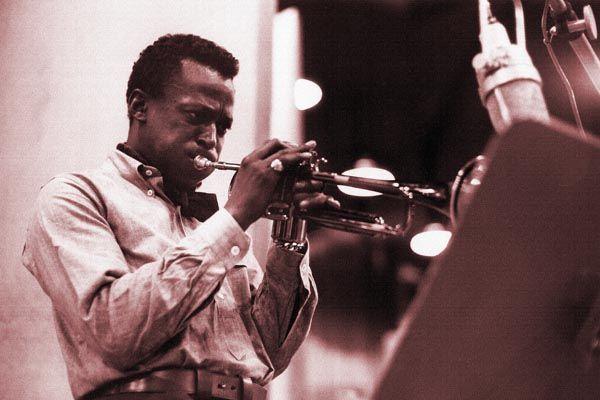 129. Постер: Miles Davis - лидер мирового джаза