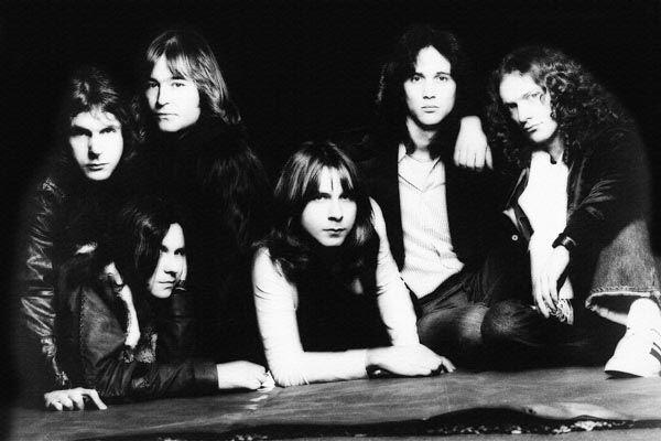 164. Постер: Foreigner - коммерчески успешная американская рок-группа, созданная в 1976 году