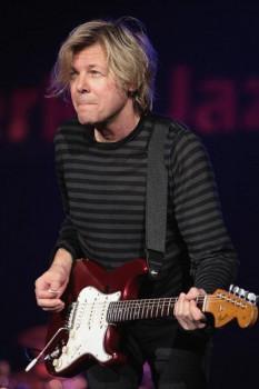 173. Постер: Jeff Golub - современный джазовый гитарист