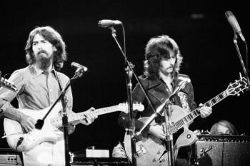 185. Постер: George Harrison и Eric Clapton на концерте для Бангладеш в Мэдисон Сквер Гарден