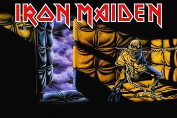 208. постер к одному из альбомов Iron Maiden