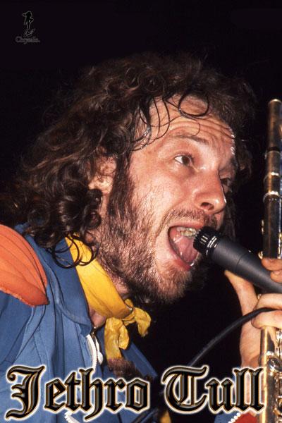 218-2. Постер: Лидер группы Jethro Tull - Ian Anderson на сцене, 1976 г