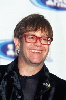 226. Постер: Elton John в красных очках