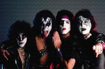243. Постер: Kiss, которые смогли приобрести статус самой зрелищной команды