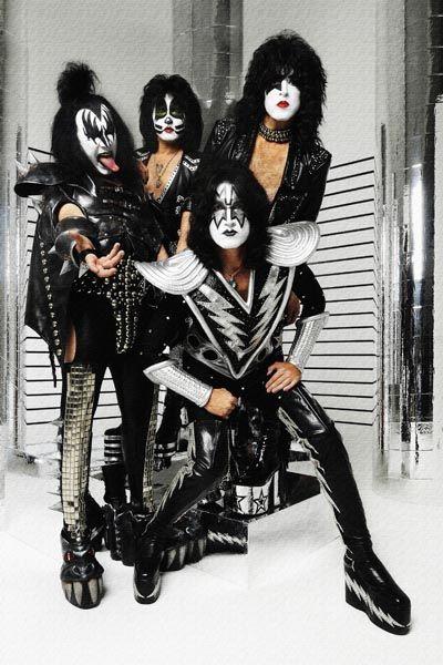 247. постер: Kiss в измененном составе