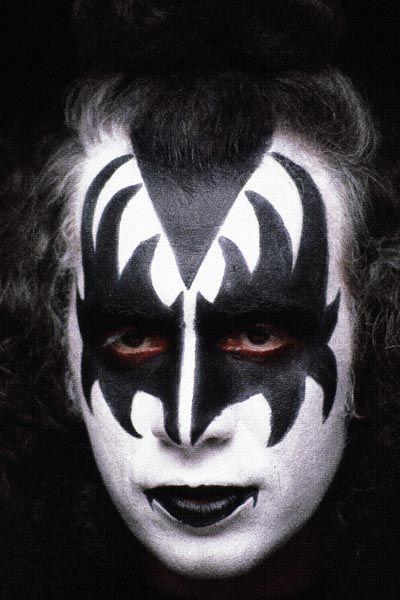 257. Постер: Gene Simmons один из лидеров рок-группы Kiss