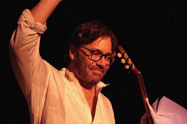 299. Постер: Al Di Meola. Один из наиболее уважаемых и влиятельных гитаристов в мире