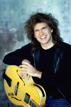 302. Постер: Pat Metheny, лидер группы Pat Metheny Group