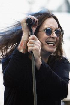328. Постер: Ozzy Osbourne на концерте