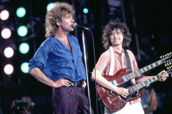 337-2. Постер: Jimmy Page и Robert Plant на сцене