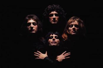 368-2. Постер: Самое известное известное изображение группы Queen