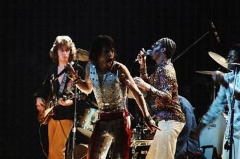 379. Постер: Mick Jagger и Stevie Wonder выступают на концерте в 1972