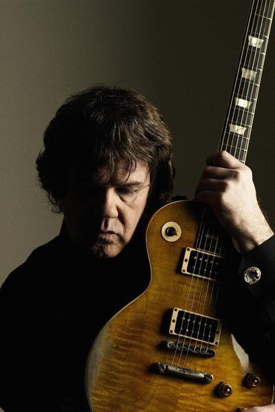 456. Постер: Gary Moore - ирландский гитарист, певец, автор песен, внесший заметный вклад в развитие стиля Blues-rock