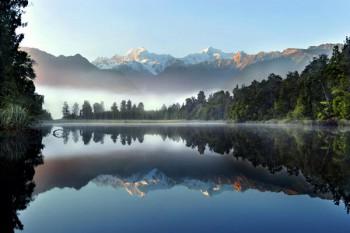 026. Пейзаж: На горном озере